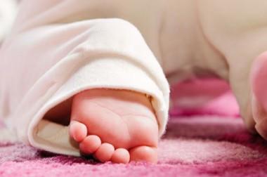 Exposer son bébé sur Internet en public : quelles conséquences ?